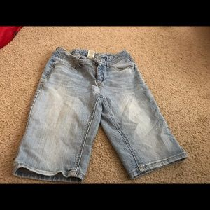 Faded Glory size 6 denim shorts in good condition